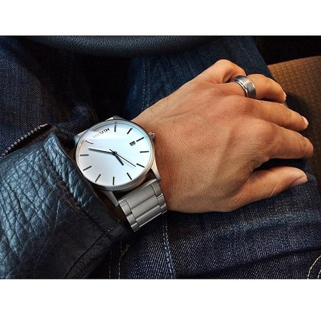 2378ab7290b7 El surtido de relojes para hombres y mujeres crece constantemente. En el  mercado encontraremos desde relojes de boda especialmente diseñados para ...