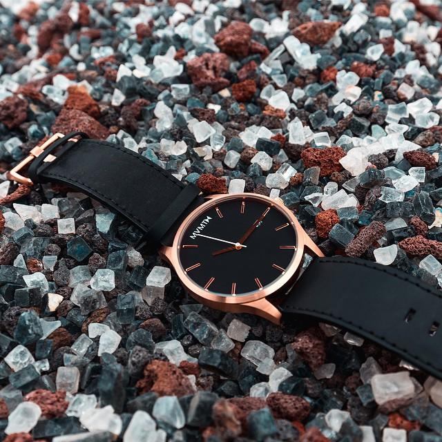 97d13891ee61 El reloj marca Electro-weideworld se caracteriza por su diseño y calidad