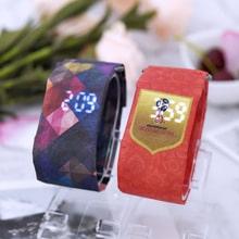 ⌚️ 2018 new styles hot selling creative watches Men's fashion watch Women's Wristwatch students Intelligent waterproof quartz watch